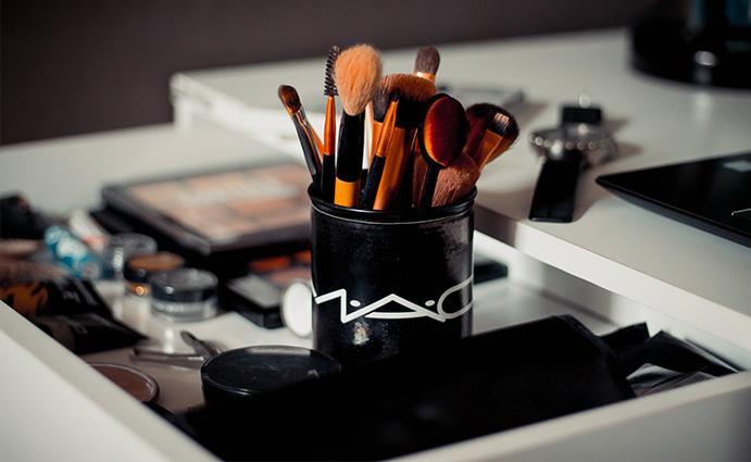 Contact - Elite Makeup